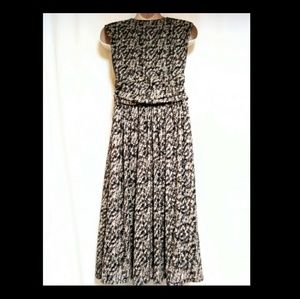 Anne Klein Dresses - Anne Klein Dress Brown Taupe Leaves Size 8